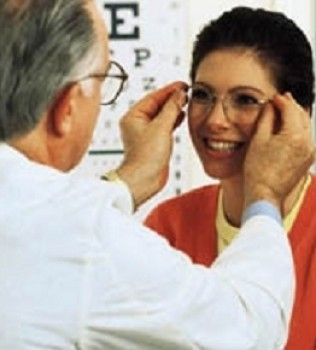 tips-membeli-kacamata-yang-nyaman-untuk-anda