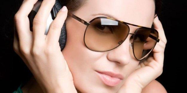 Cara Memilih Kacamata Gaya untuk Anda